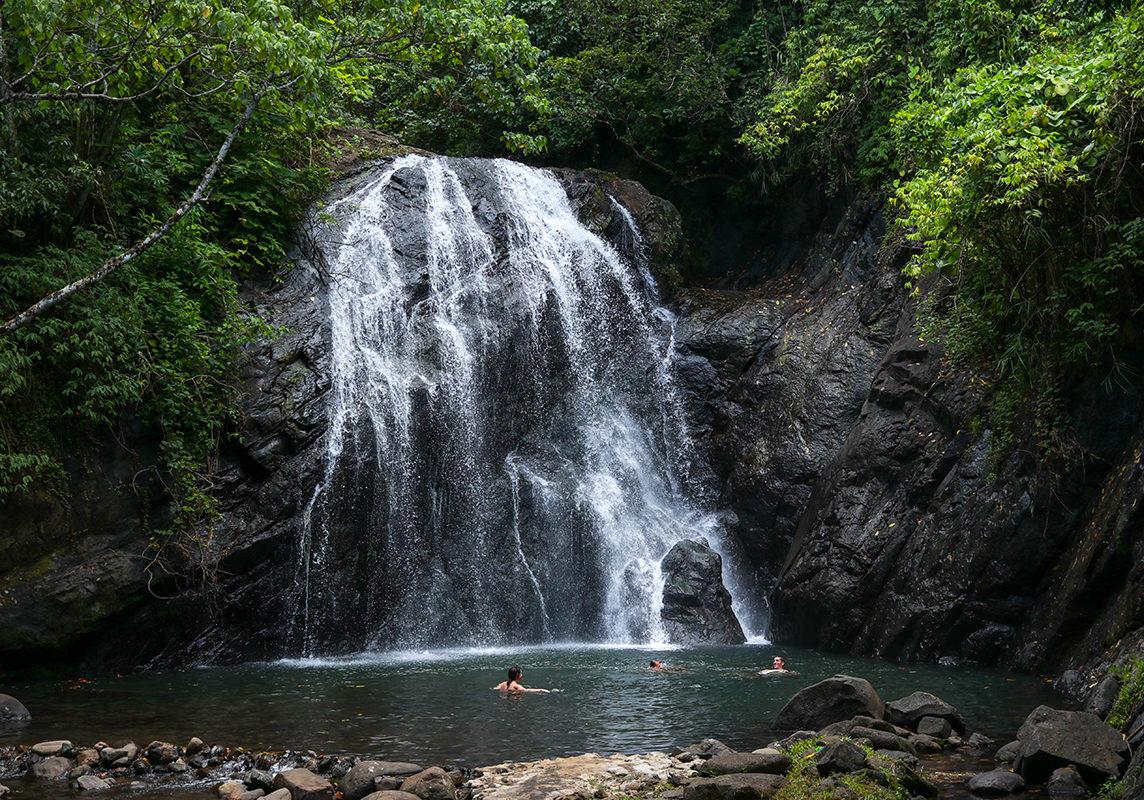 Tavola-Fiji-waterfall1